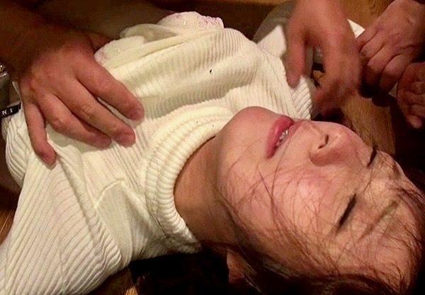<強姦>女子大生押し込みレイプww犯人の強制中出しに孕ませられたかもしれないと恐怖に怯える女子大生!