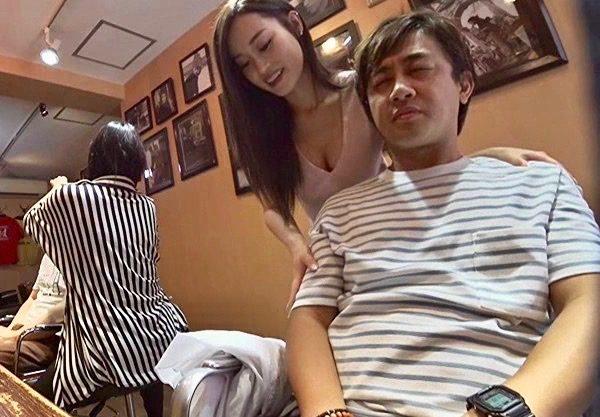 <痴女>接吻上手でフェラ達人のGカップ肉食系美容師ww
