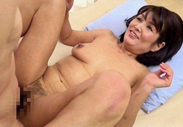 熟女:セックスに狂う変態姿を大胆に晒す五十路熟女ww
