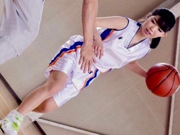 恋中いろは:バスケ女子だけあって反応抜群!!初々しさ満点の体育会系美少女ww