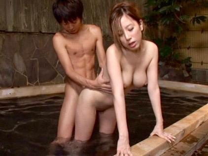 企画:ここは女湯ですよ!!男のチンポに興味を持った女性客達の誘惑が始まるww