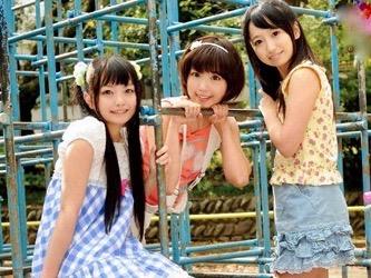 ロリ:ロリっ子美少女三姉妹が、ママに内緒でレズエッチww