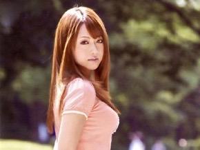 吉沢明歩:隣の奥さんはHな匂いがぷんぷんする超美人な若奥様ww