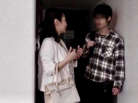 ナンパ:オトコ大好きww性欲たっぷりのおばさんが未来あるヤングボーイを逆ナンパ!!熟女は貫禄SEXに全てを吸い取るww