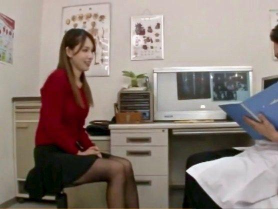 企画:健診に来た女子大生にイタズラしまくってセックスに持ち込む鬼畜医師!!