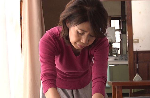 瀬川志穂:「初めてがお母さんでいい?」タガが外れて禁断の母子ファックww
