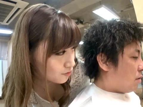 舞島あかり:「お客さん、この後ヌキます?」見せつけしゃぶらせ手コキww美容室の卑猥なサービス!!