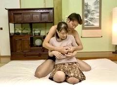 熟女:大人しく地味な五十路妻は久々のチンポの挿入に豹変wwヌードモデルのアルバイトにやってきた人妻!!