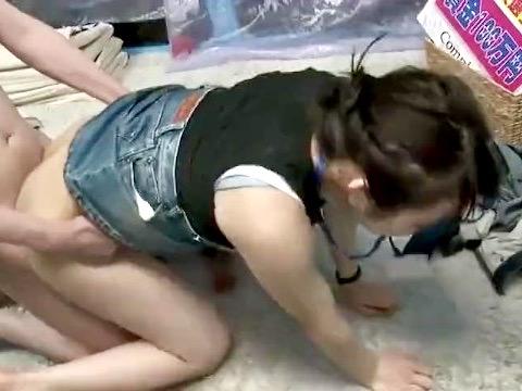 企画:ロケに苦戦したら、己の身体で解決せよ!!オンナADマジックミラー号で寝取られ姦ww