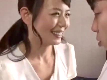 三浦恵理子:「童貞、卒業させてあげるよ!」四十路の母親が母性溢れる筆おろしファックwwww