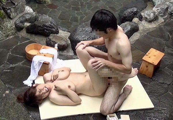 姉姦:「お姉ちゃん!!挿れてみたよ!!」二人っきりの混浴温泉でエッチなミッションで弟チンポが姉マンコを姦通ww