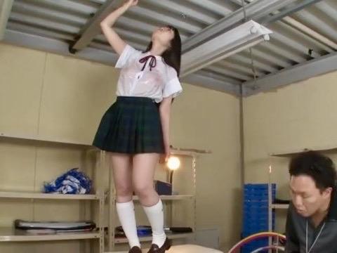 夢乃あいか:「ノーブラなの!?」制服から透けて見える乳首は綺麗なピンク色!!女子校生の若くて弾力感あふれる美巨乳とクビレが学園中の男を誘惑ww