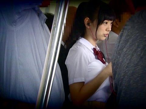 桐谷まつり:痴漢師がJKの爆乳Hカップの身体を弄び犯していく!!ブラも着けずに家を出てしまった女子校生w