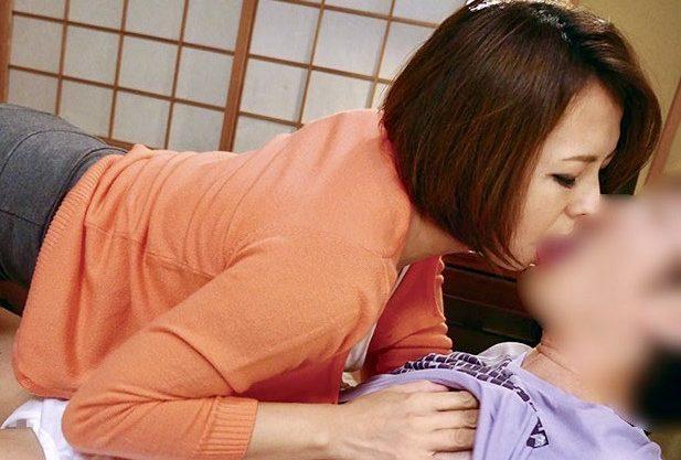 水元恵梨香:「お母さんのこと、愛してちょうだい❤️」一流企業に就職した自慢の息子を愛してしまった哀しき母親寝取られ姦w