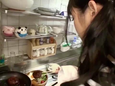 星奈あい:「織女の前にエッチする?❤️」裸エプロンでの手料理いただく前にラブラブな彼女のオマンコを味見ww