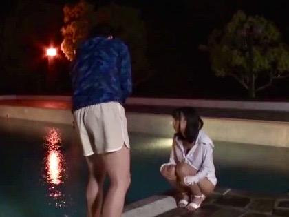 企画:プールで散々騒いでハメられたのに、物足りない美少女が`おかわりおねだりセックス`www