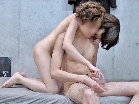 ナンパ:「このオチンチン、気持ちよかったよ❤️」お股全開でイケメン肉棒を迎え挿れた華奢な女子大生をNTR姦ww