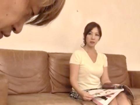 結城みさ:指名したら`母ちゃん`!?初めて行った熟女風俗でまさかの近親相姦ソーププレイ!!
