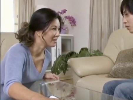 片瀬仁美:義姉の大胆な振る舞いに真の目的を知らない旦那は…己の性欲を晴らそうと企む嫁のお姉さんww
