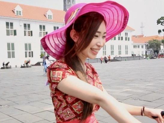 ナンパ:母国ジャカルタの観光での自然な笑顔!!J●Tに憧れる外国人留学生がニッポンでAVデビュー!?