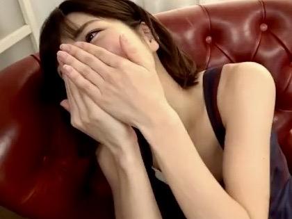 市川まさみ:「チュ〜ってして!!」交わり合う唾液、絡み合う舌!!卑猥な音を響かせる濃厚接吻ベロキス性交www
