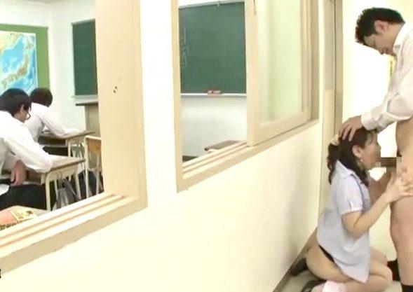 小野さち子:声を出してバレたら全てが終わる!!女教師のオマンコを男子生徒の精子が汚す四十路人妻教師寝取られ姦w