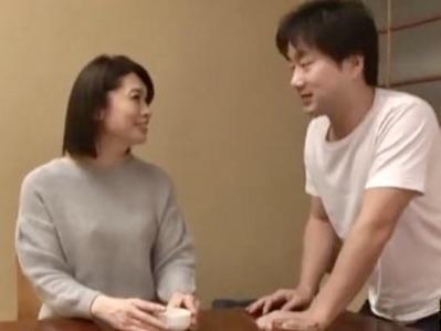 白山葉子:息子の親友であるはずの男に犯され…若いチンポの勢いに感じてしまった女としての自分の間で揺れ動く人妻寝取られ姦w