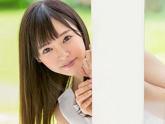 小倉由菜:キスとタッチだけで発情!!天真爛漫で笑顔の絶えないお兄ちゃん娘の優等生美少女がAVデビュー姦ww