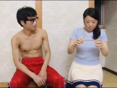 人妻:爆乳若妻と体育会系男子大学生が二人っきりで混浴ww清楚な人妻は初めての浮気SEXにチャレンジ!!