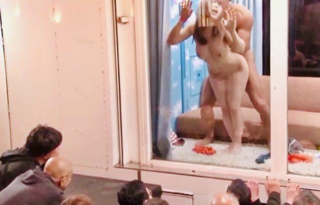 企画:「なんで外に人がいるの!?」マジックミラー越しに新成人の素人娘の寝取られ姿を生観察!!大胆SEXをイキ恥晒し姦@魔法鏡号