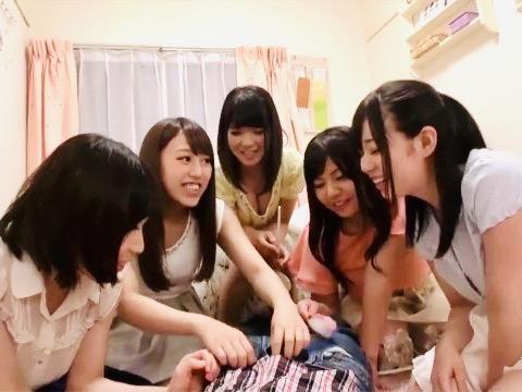 企画:「ズボン、おろしちゃう!?❤️」爆乳揃いの女子大生たちに突撃交渉!!大学の女子学生寮にはペニス争奪するヤリマンJDとハーレムパーティw