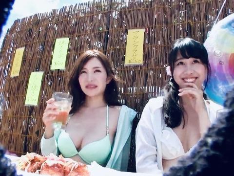 ナンパ:「この後、楽しいことしませんか?」躊躇いもなくお股を開いちゃうスレンダー爆乳ビキニ娘をナンパ寝取り姦ww