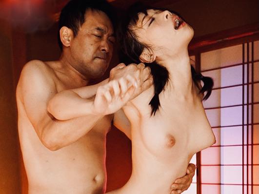吉岡ひより:我を忘れて大きくアエギ、何度もビクビク痙攣!!ただセックスに没頭する美少女w