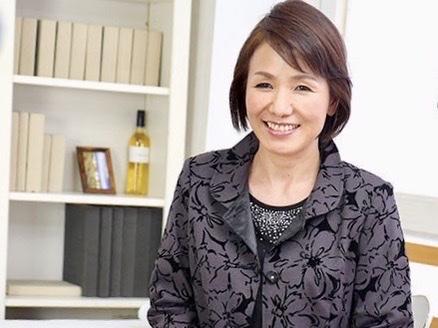 内原美智子:「貞操を守っているのは私だけだったなんて…。」夫の裏切りを知ったことで踏ん切り点いた極上の還暦奥様NTR姦w